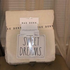 ❤️ Rae Dunn SWEET DREAMS Queen Sized Blanket
